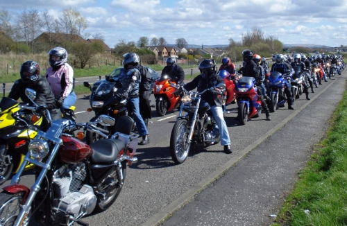 A quick stop on the road to Crosshouse Hospital. (2009)